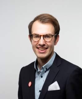 Ersättare Simon Holmström