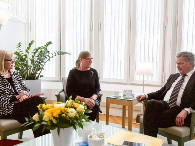 Susanne Eriksson, Gun-Mari Lindholm och Sauli Niinistö
